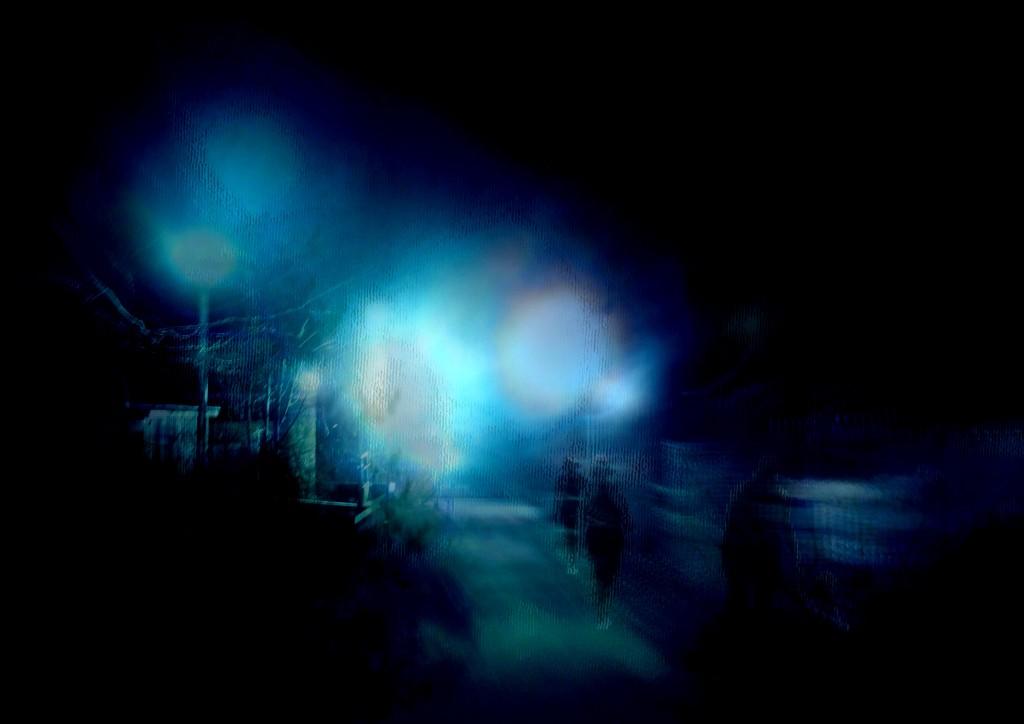 2013-12-14 Pakopiste, kuutamo, katuvalot4